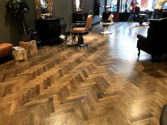 Voor en na fotos van houten vloeren met verschillende producten