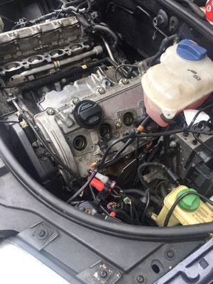 Motorraum vor dem Service