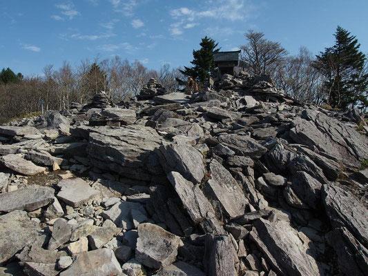 八海山神社の祠