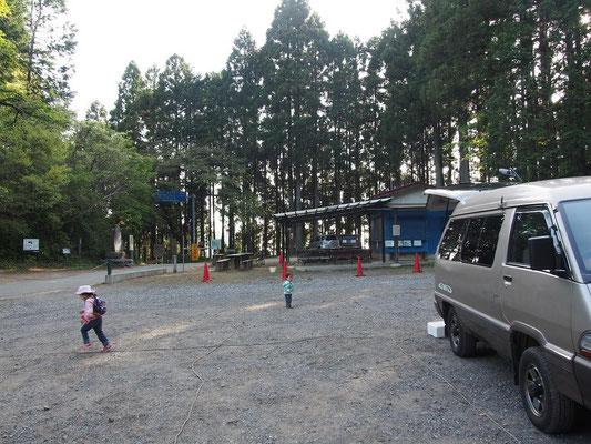 和田峠駐車場