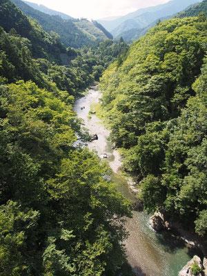 万世橋上から見る多摩川