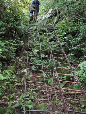 最初の鉄梯子