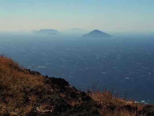 伊豆七島(神津島など)が見えた