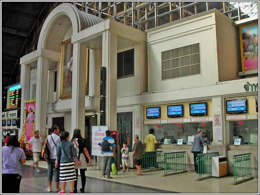 Ticket Center At Hua Lumpong Railway Station - China Town Bangkok