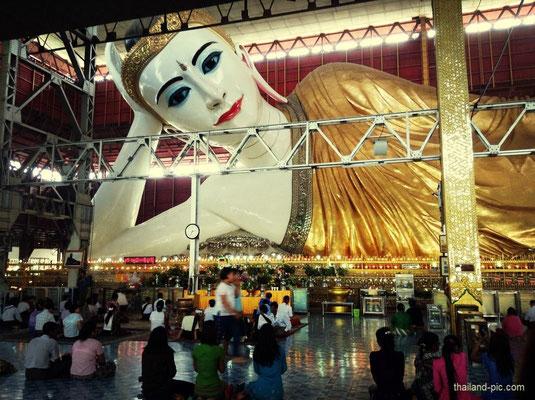 Reclining Buddha - Yangon - Myanmar