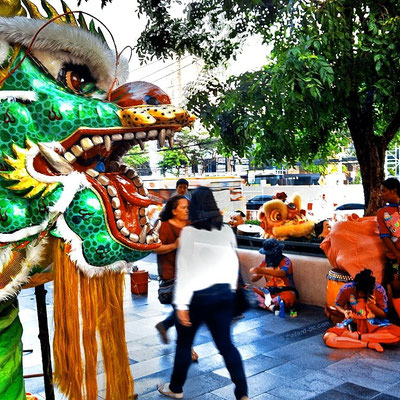 A short break for the dragon crew - Chinese New Year 2016 - Central Lat Phrao Shopping Mall - MRT Phahon Yothin Station - Bangkok
