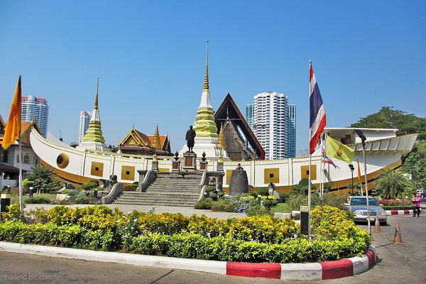 Wat Yannawa - The Boat Temple - Bangkok