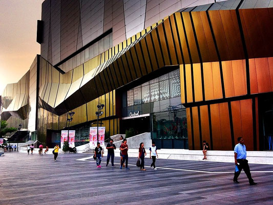 Central Lat Phrao Shopping Mall - MRT Phahon Yothin Station - Bangkok