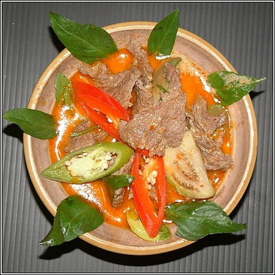 Red Beef Curry - Mama Deang Kata