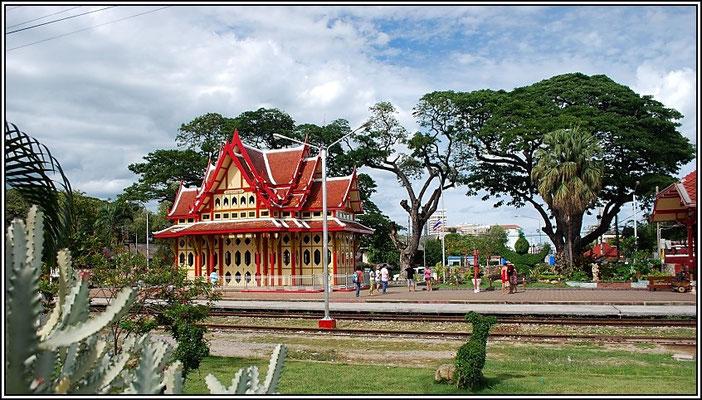 Hua Hin Railway Station -Royale Waitingroom