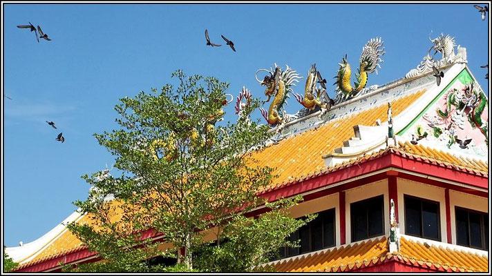 Dragons Decendants Museum and Temple - Suphanburi