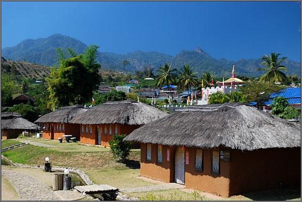 Chinese Village - Pai