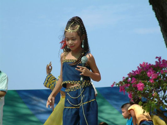 Phuket - Childrens Day 2003 Karon Beach -