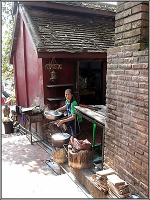 Luang Prabang -  Small soi kitchen