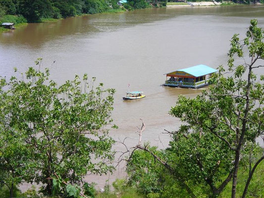 Kanchanaburi - Karaoke Boat On The River  -