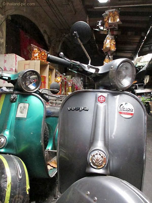 Vespa - China Town Bangkok - December 2015