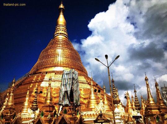 Swedagon Pagoda - Yangon - Myanmar