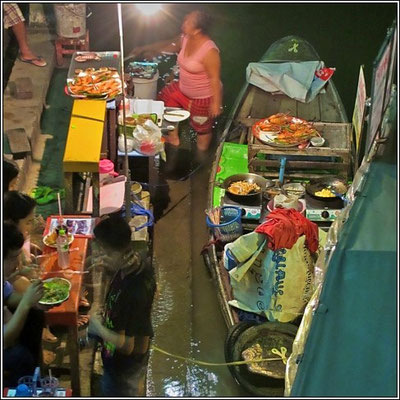 Foodstall On The Boat - Bangnoi Floating Market - Amphawa