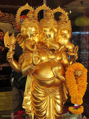 Ganesha Shrine - Ratchadapisek / Pracharat Bamphen Junction - Bangkok