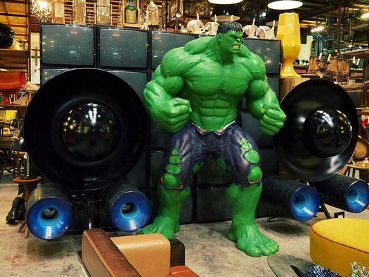 Hulk and a huge Stereo System - Papaya Vintage - Lat Phrao - Bangkok