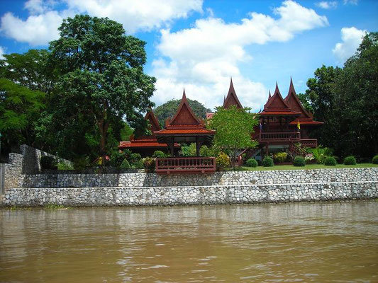 Kanchanaburi - Boat Tour On The River