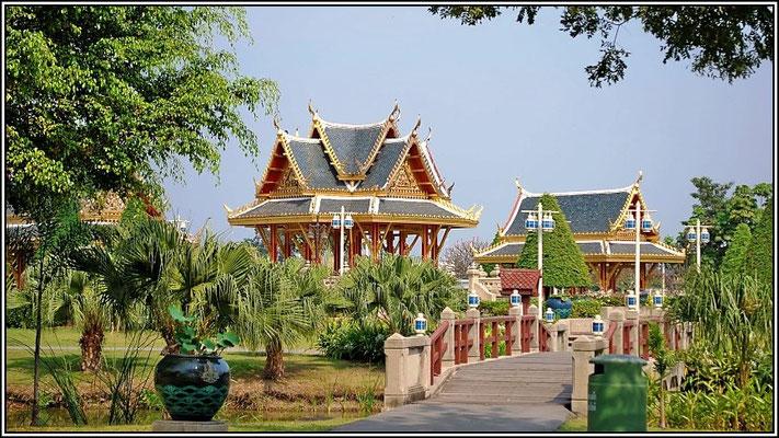 Chaloem Kanchanaphisek Park - Nonthaburi