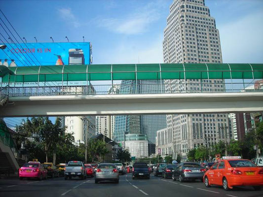 Radchadaphisek_Rd Exchange Tower (BTS Asoke Station, Sukhumvit Line)