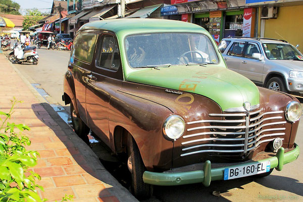 Renault - Old Market Area - Siem Reap