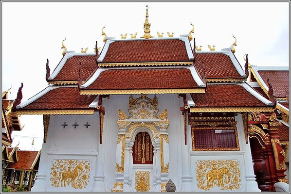 Wat Klang Wiang - Chiang Rai