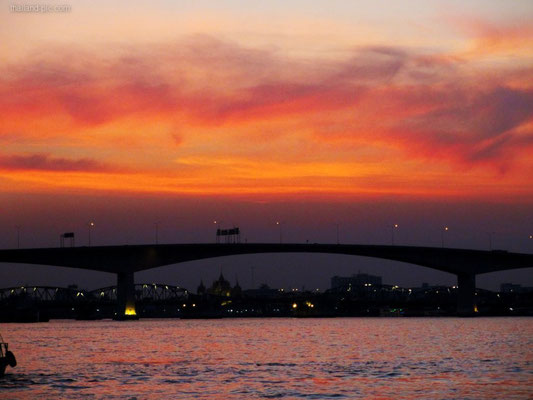 Chao Phraya River Sunset - Bangkok