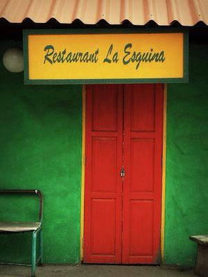 Restaurant outside - Papaya Vintage - Lat Phrao - Bangkok