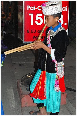 Hill Tripe Flute Player - Walking Street  - Pai