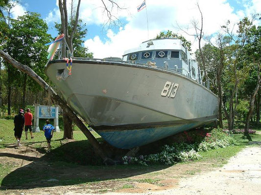 Phang Nga -  Tsunami Police Boat 813 Memorial - Khao Lak -