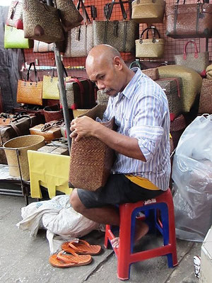 Bag Maker - Chatuchak Weekend Market - Bangkok