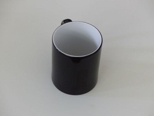 Tasse ist norml außen schwarz