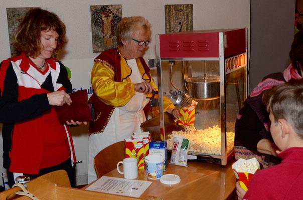 Die Popcornmaschine lief in der Pause  auf Hochtouren.