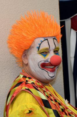 Präsident Tom begrüsste als Clown die Gäste.
