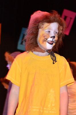 Ein Löwe in Aktion.