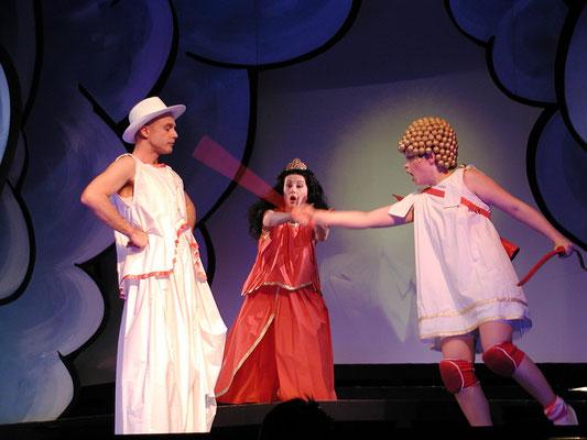 Alexander Plust (Apollo), Maida Karisik (Venus) & Marelize Gerber (Amor) in Die Liebe des Apollon und der Daphne - F Cavalli