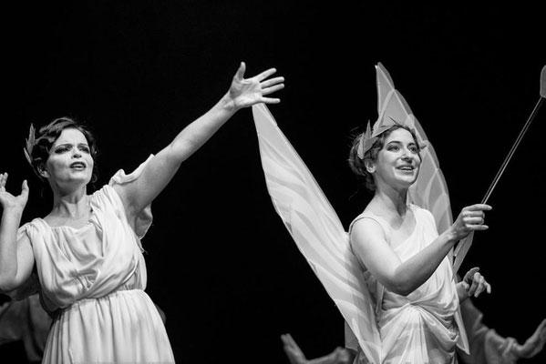 Marelize Gerber (Hébé) & Cécile Achille (Amour) in Les Indes Galantes - J-P Rameau Photo: Janusz Sytek ©