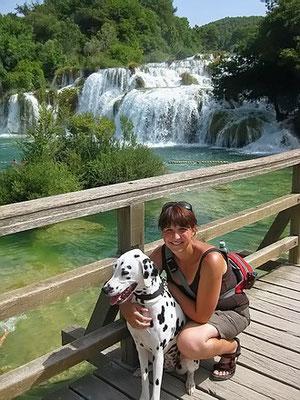 im Nationalpark Krka vor den imposanten Wasserfällen