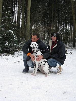 Dunja mit ihren Zweibeinern