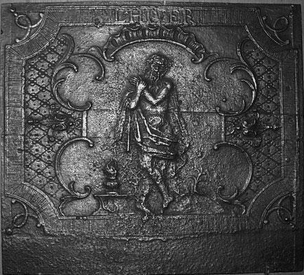 Inv.-Nr. 255   Allegorie des Winters,  Kaminplatte 73 x 67 cm, Lothringen (?), um 1730/40