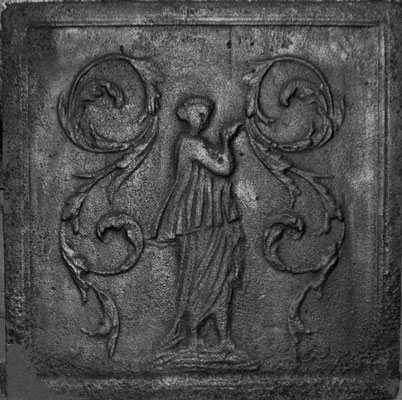 Inv.-Nr. 293   Ceres, Kaminplatte 45 x 45 cm, Lothringen, 2. H. 18. Jh.