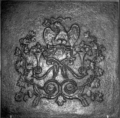 Inv.-Nr. 125    Symbol für das Kasierreich Frankreich, Kaminplatte 70 x 70, Lothringen, 1804-1814