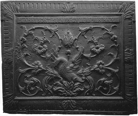 Inv.-Nr. 260   Phönix, Kaminplatte 107 x 90, Villerupt, um 1688