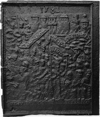 Inv.-Nr. 234   Die Passion Christi, Ofenplatte, 58 x 71 cm, Eisenschmitt (?), dat. 1582