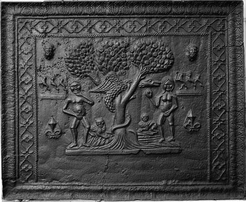 Inv.-Nr. 16  Wappen Claude de Valhey  Kaminplatte 101 x 84 cm, Cousance,  ab 1572