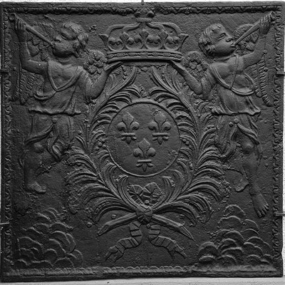 Inv.-Nr. 99   Wappen Frankreich (Ludwig XIV.), Kaminplatte 99 x 99 cm, Lothringen, um 1680
