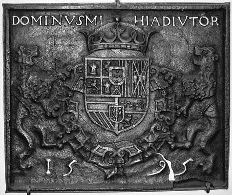 Inv.-Nr. 6   Wappen Spanien Philipp II., Kaminplatte 75 x 63 cm, Villerupt, dat. 1595